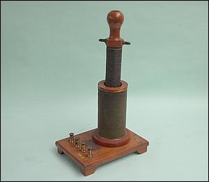 conjunto de duas bobinas  preparadas para demonstrar a existência da indução eletromagnética