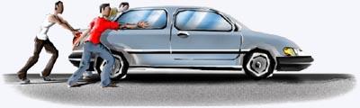 a força de tres pessoa para empurrar um carro sem partida  será maior a aceleração