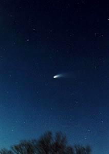 cometa entrando na atmosfera